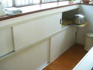 内装リフォーム 出窓部分を収納スペースにリフォーム