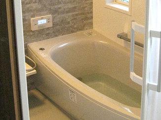 バスルームリフォーム 間取りの変更をし、快適なリラックス空間へと変わった水廻り