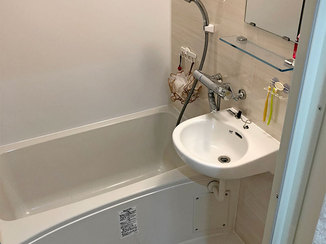 バスルームリフォーム バス・トイレの空間を別々にして、快適な水廻り空間に