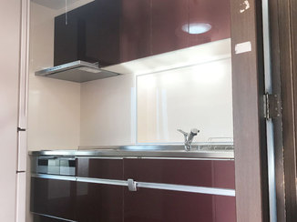 キッチンリフォーム 落ち着いたカラーで一体感のある水廻りと玄関
