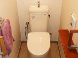 トイレリフォームお客様に合わせた調整をして、使いやすくなったトイレと洗面台