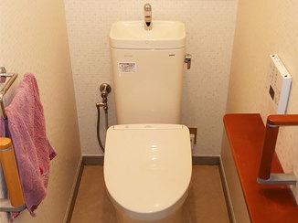 トイレリフォーム お客様に合わせた調整をして、使いやすくなったトイレと洗面台