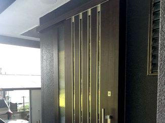 エクステリアリフォーム 出入りしやすい、かっこいい玄関引き戸