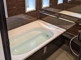 バスルームリフォーム 長湯したくなる快適なバスルームと収納が充実した洗面所